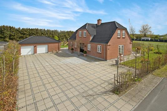 Villa på Flaskehalsen i Odense NØ - Ejendommen