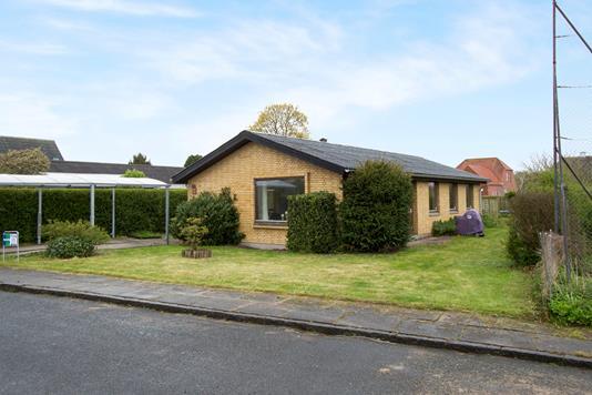 Villa på Degesvænget i Odense NØ - Ejendommen