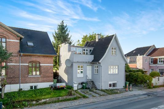 Villa på Palnatokesvej i Odense C - Ejendommen