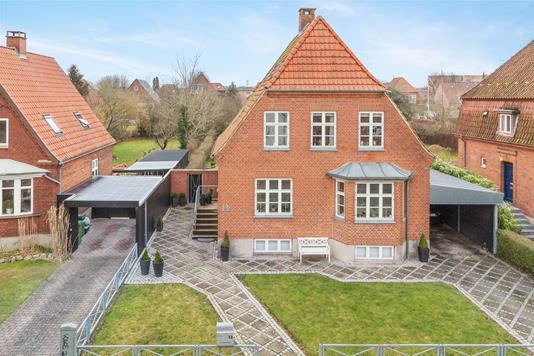Villa på Prins Valdemars Vej i Odense C - Ejendommen