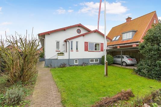Villa på Ibsensvej i Odense C - Ejendommen