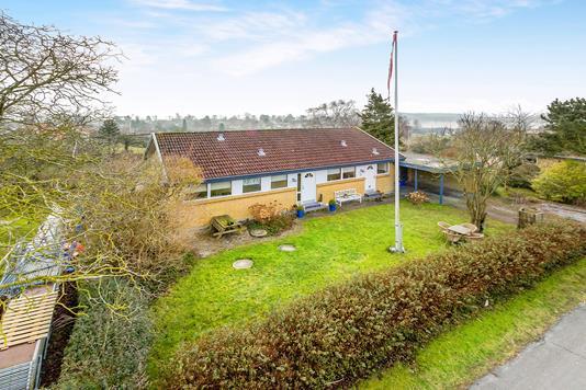 Villa på Stenvænget i Munkebo - Ejendommen