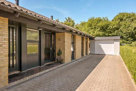 Villa på Åsumvej i Odense NØ - Ejendommen