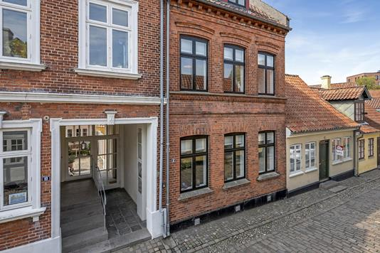 Rækkehus på Overstræde i Odense C - Ejendommen
