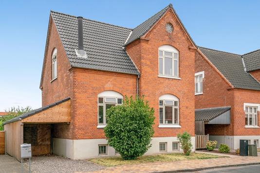 Villa på Enighedsvej i Odense C - Ejendommen