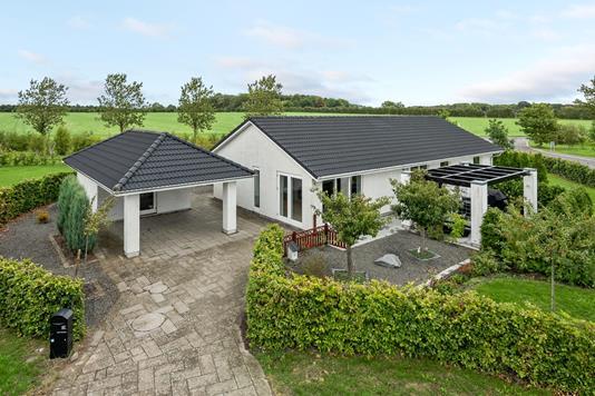 Villa på Utzons Allé i Odense NØ - Ejendommen