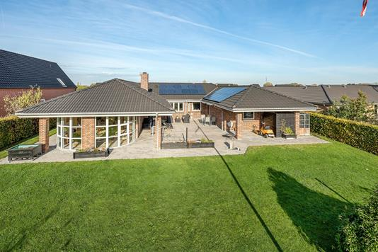 Villa på Engblommen i Odense SØ - Ejendommen