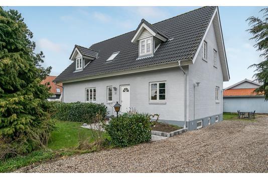 Villa på Neder-Holluf-Vej i Odense SØ - Andet