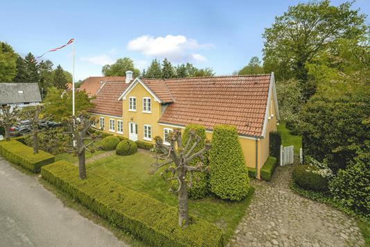 Villa på Væverstræde i Odense NØ - Ejendommen