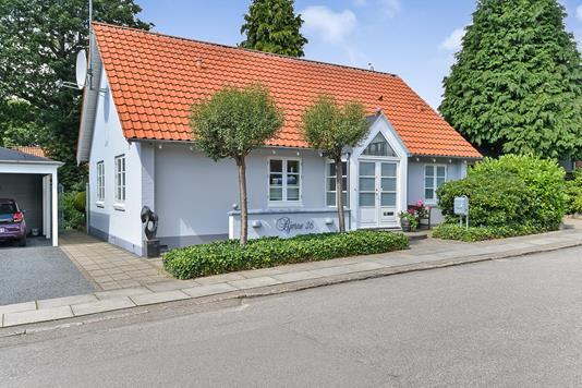 Villa på Helmsvej i Silkeborg - Ejendommen