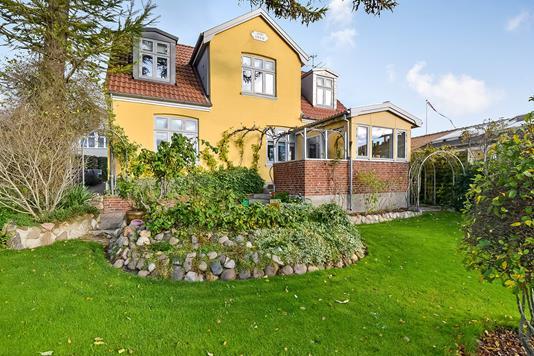 Villa på Rønne Allé i Silkeborg - Ejendommen
