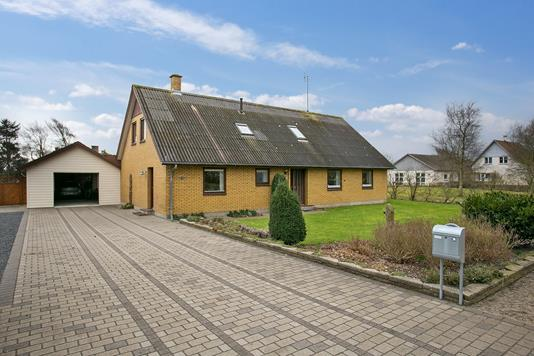 Villa på Tingvej i Skærbæk - Ejendommen