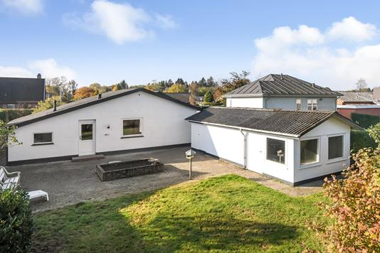 Villa på Randbølvej i Vandel - Ejendommen