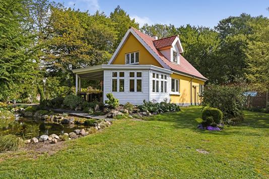 Villa på Amlundvej i Gadbjerg - Ejendommen
