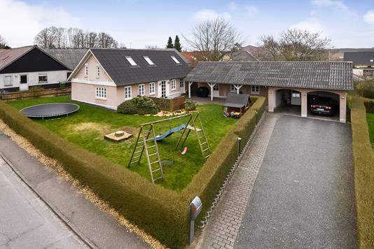 Villa på Dalgasvej i Vandel - Have