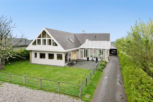 Villa på Ormslevvej i Viby J - Ejendommen