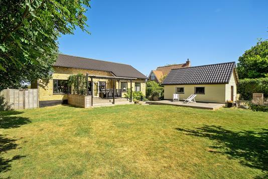 Villa på Ormslevvej i Viby J - Set fra haven