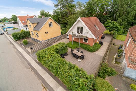 Villa på Gormsgade i Viby J - Set fra vejen