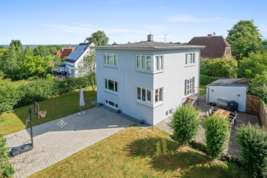 Villa på Tårnvej i Viby J - Ejendommen