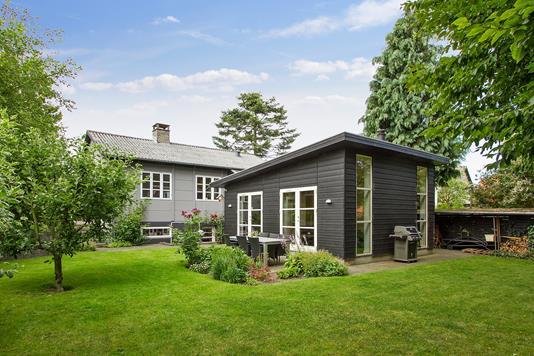Villa på Kongsgårdsvej i Viby J - Ejendommen