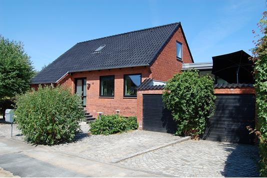Villa på Vermundsgade i Viby J - Ejendommen