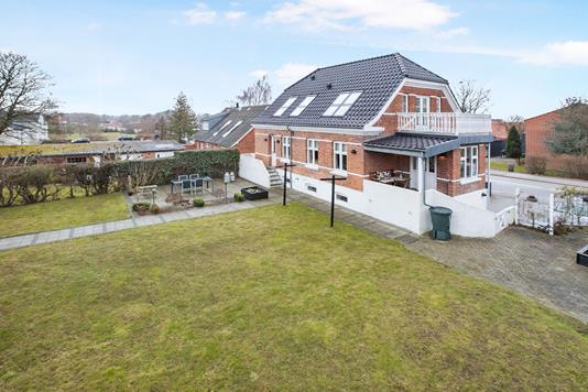 Villa på Grenåvej i Skødstrup - Ejendom 1