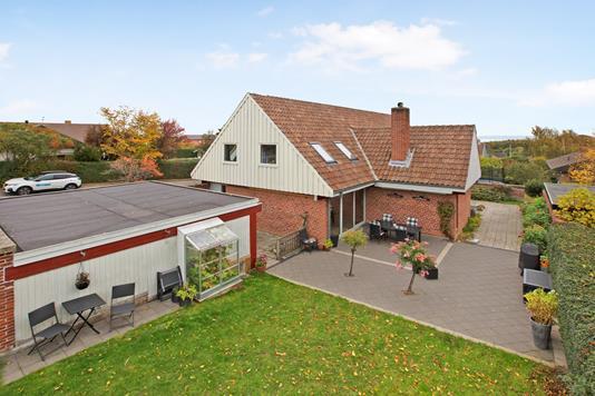 Villa på Hunderosevej i Skødstrup - Ejendom 1