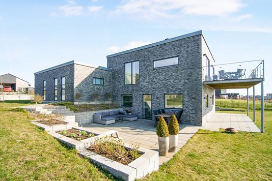 Villa på Løgten Østervej i Skødstrup - Ejendom 1
