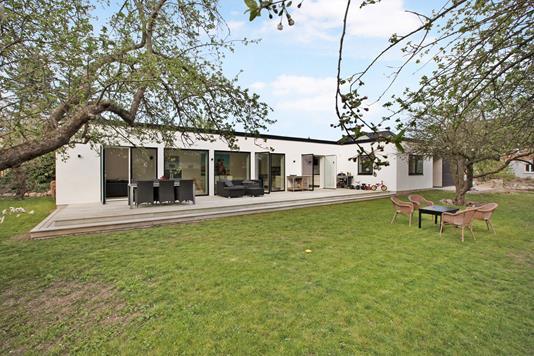 Villa på Den Gamle Skolesti i Skødstrup - Ejendom 1