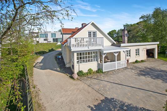 Villa på Den Gamle Skolesti i Skødstrup - Ejendommen