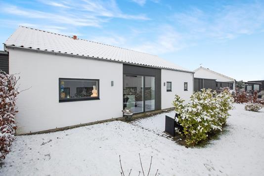 Villa på Tronkærgårdsvej i Skødstrup - Ejendommen