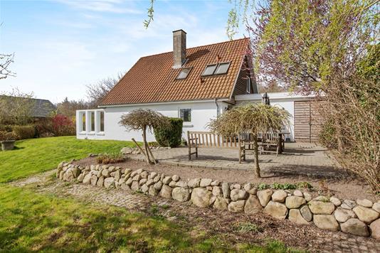 Villa på Safirvej i Skødstrup - Ejendommen