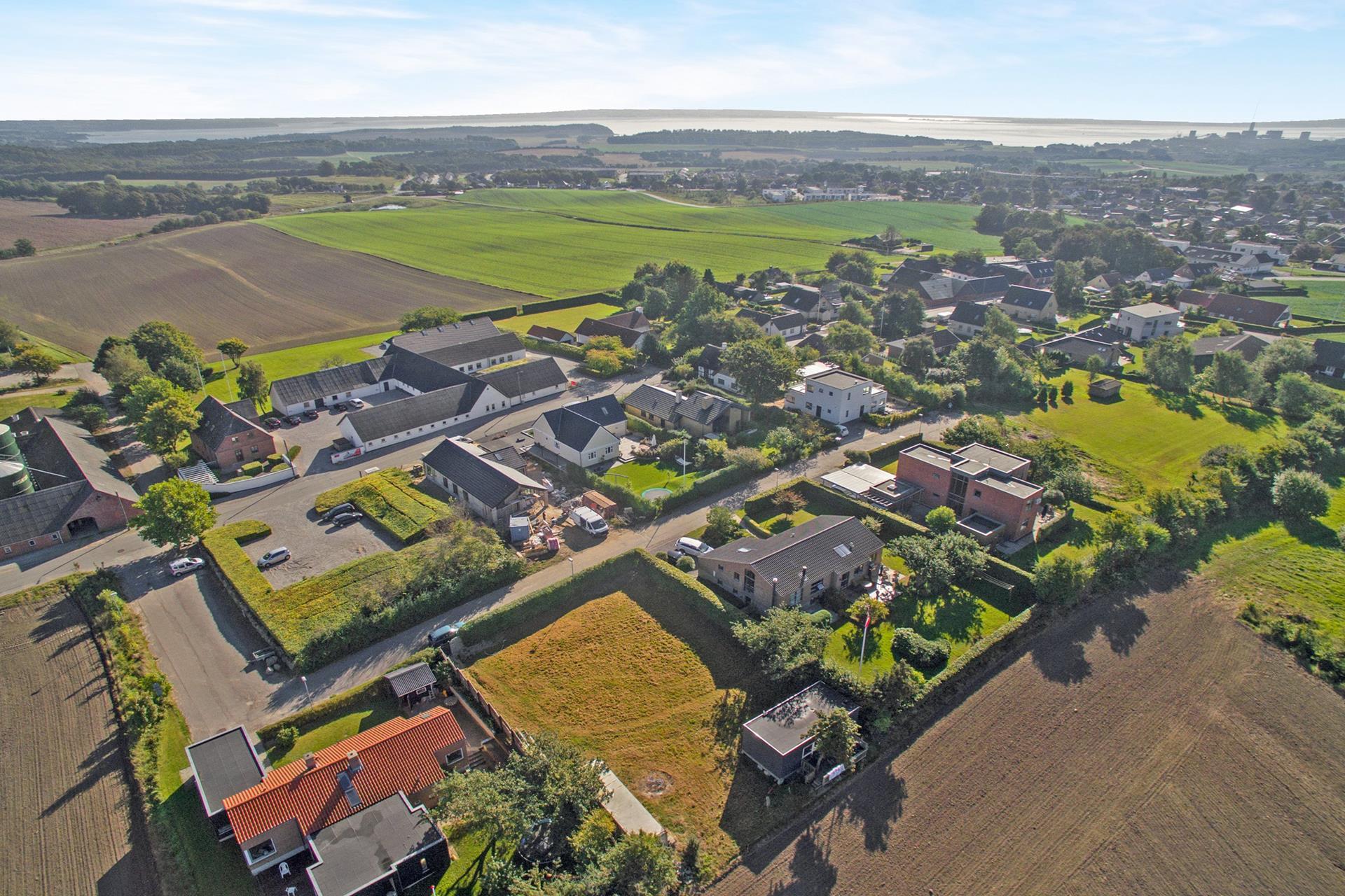 Helårsgrund på Segaltvej i Skødstrup - Luftfoto