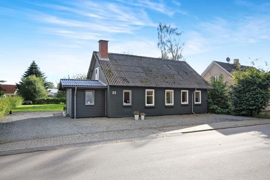Villa på Vesterbyvej i Føvling - Ejendommen