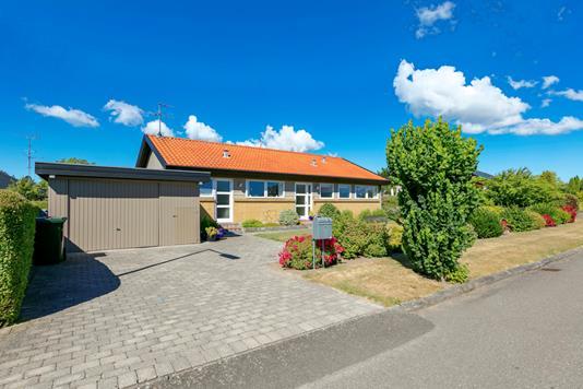 Villa på Elmevænget i Rudkøbing - Ejendommen