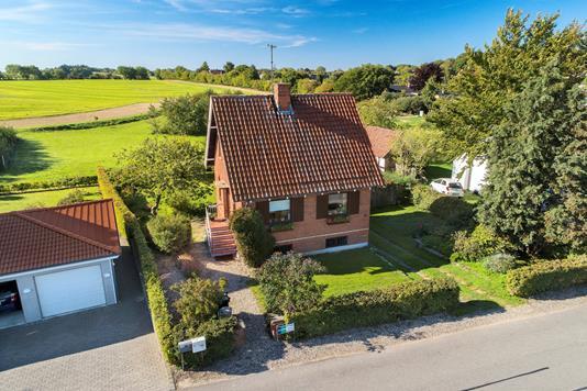Villa på Hennetvedvej i Rudkøbing - Luftfoto