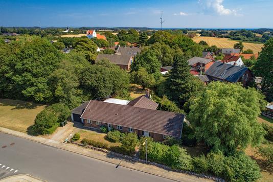 Villa på Kastanjevej i Tranekær - Luftfoto