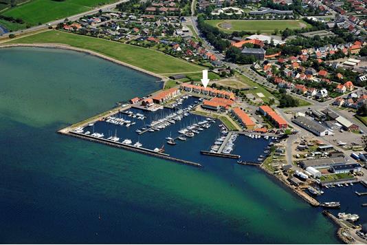 Fritidsbolig på Skudehavnen i Rudkøbing - Luftfoto