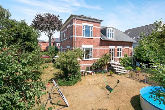 Villa på Dronning Elisabeths Allé i København S - Ejendom 1