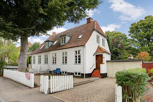 Villa på Ved Grænsen i Frederiksberg - Indkørsel