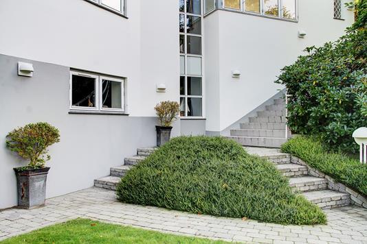 Villa på Emiliekildevej i Klampenborg - Ejendommen