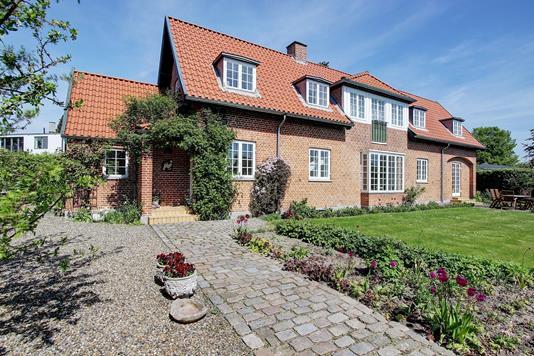 Villa på Tornagervej i Charlottenlund - Ejendommen