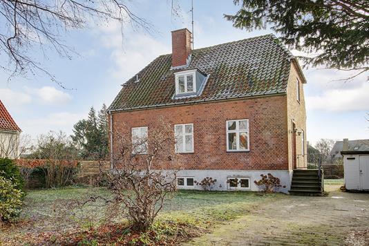 Villa på Frølichsvej i Charlottenlund - Ejendommen