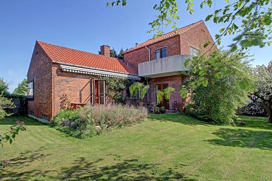 Villa på Lysagervej i Charlottenlund - Ejendommen