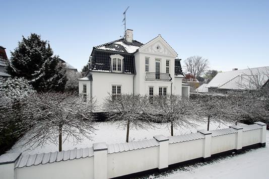 Villa på Efterårsvej i Charlottenlund - Ejendommen