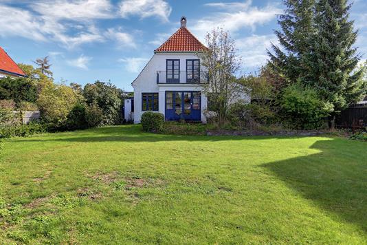 Villa på Christiansholmsvej i Klampenborg - Ejendommen