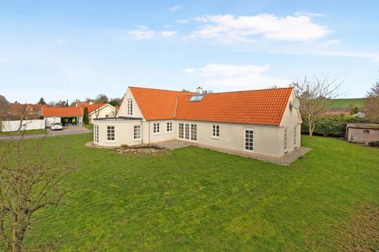 Villa på Påskegårdsalle i Daugård - Ejendommen
