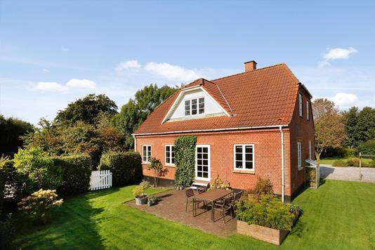 Villa på Hostrupvej i Stouby - Ejendommen