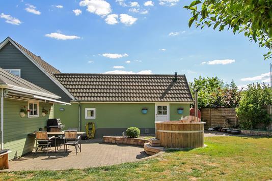 Villa på Fårupvej i Sabro - Set fra haven