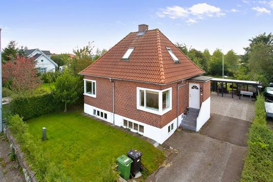 Villa på Gammel Viborgvej i Tilst - Ejendommen